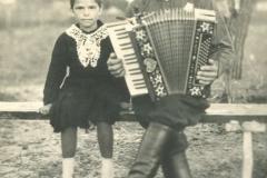 1 ф.м.штырбул и дочка Аня.